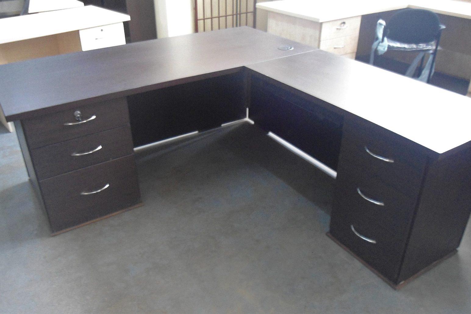 Carina-l-shape-desk